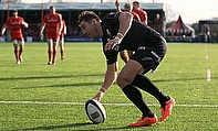 Chris Wyles scores the opening try of the game against Munster at Allianz Park