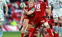 Scarlets scrum-half Aled Davies has signed a new deal to stay with the Welsh region until 2018.