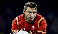 Dan Biggar left the field with an injury before half-time