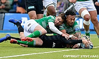 Max Malins (centre) scoring a try against London Irish