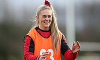 Hannah Jones: Stand-in skipper looking to help 'elusive' Welsh backline click