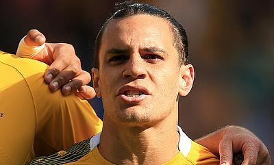 Leicester's Australia international centre Matt Toomua faces a lengthy spell on the sidelines after suffering a knee injury