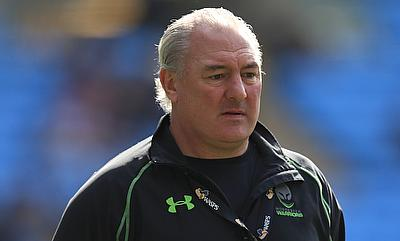 Gary Gold has agreed a new deal as rugby director with Aviva Premiership club Worcester