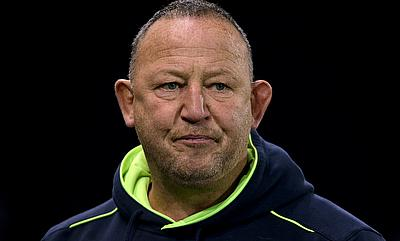 Sale Sharks director of rugby Steve Diamond has been given a target of lifting the side into the top four