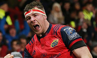 Munster's Peter O'Mahony celebrates after scoring a try against Leicester