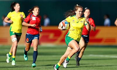 Australia's Evania Pelite races away for a try against Spain on day one of the Rugby World Cup Sevens 2018