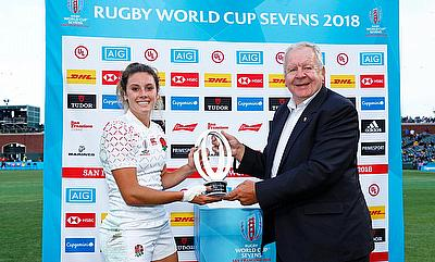 England captain Abigail Brown accepts the Challenge Trophy from World Rugby chairman Bill Beaumont on day two of the Rugby World Cup Sevens 2018 at AT