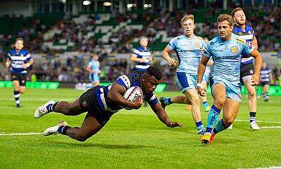 Levi Davies of Bath Rugby in action against Exeter Chiefs