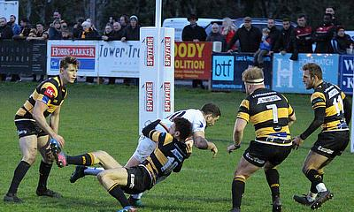 Richmond romp to win to extend gap at the top