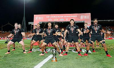New Zealand 7s celebrating their win in Hamilton