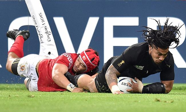 Ma'a Nonu scoring on the occasion of his 100th cap