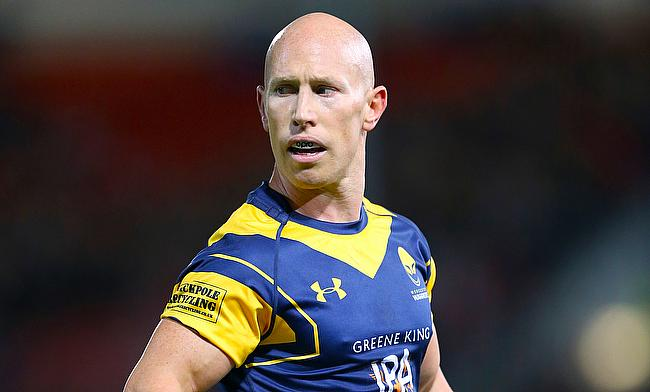 Scrum-half Peter Stringer has left Worcester after reaching the end of a short-term deal